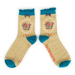 19F00133 0877 496E AFA4 AAD83B517C4A 300x300 - Powder Bamboo Alphabet Initial socks W