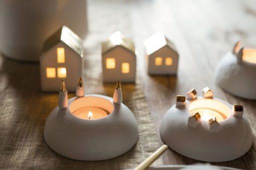 696CD5E7 88D8 4CBC 9A7E 12957AD77A1F 510x339 - Rader Design Porcelain Stories Tea Light Holder Father Christmas