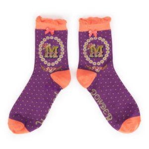 9D098F0D 7BBA 42F8 891A 080C9368DB65 300x300 - Powder Bamboo Alphabet Initial socks M
