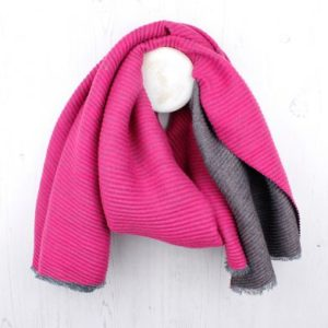 DEE62290 5510 4D45 991F 36D5F7791C9C 300x300 - Reversible Grey Pink Pleated Scarf